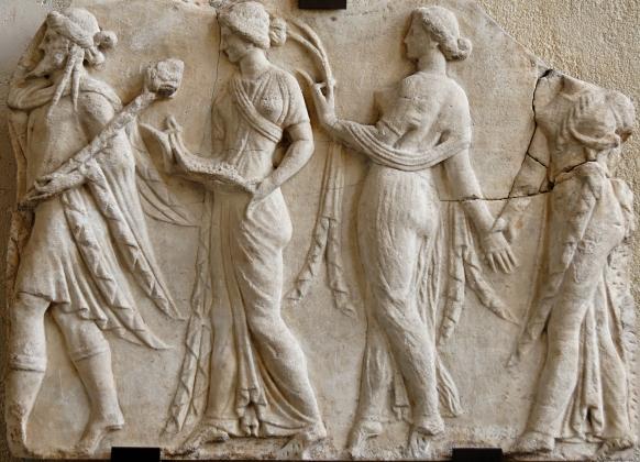 Dionysos_Horai_Louvre