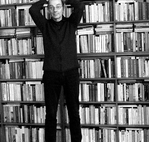 zelfportret met boeken
