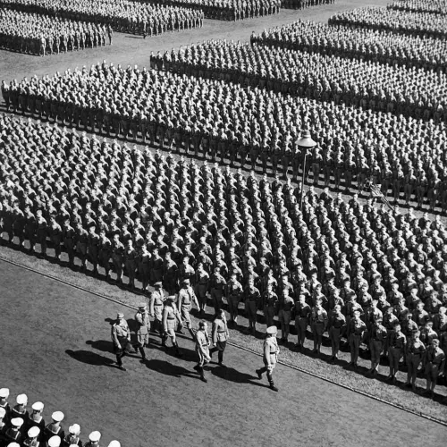 Hitler-Youth-Nuremberg-Rally-1935.jpg