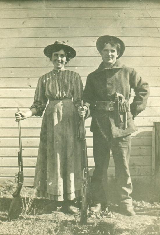 Cowgirls 2
