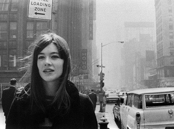 Francoise-Hardy-dans-rues-New-York-avril-1965